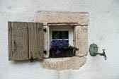 Fenster-mit-Wasserhahn-Bearbeitet_DxO.jpg